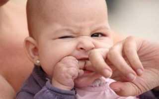 Почему ребенок кусается, щипается, дерётся — что делать?